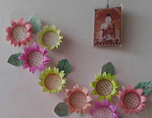 Hướng dẫn trang trí phòng cho bé với hoa từ cốc giấy