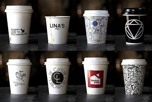 So sánh giữa in ly giấy trà sữa và ly nhựa